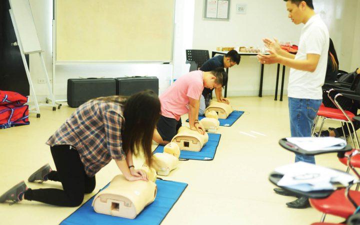 Kết quả hình ảnh cho first aid training